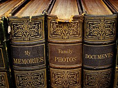 books-1099672__180