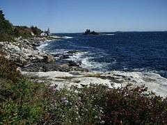 rocky-coast-108225__180