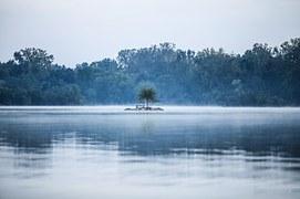 solitude-1209296__180