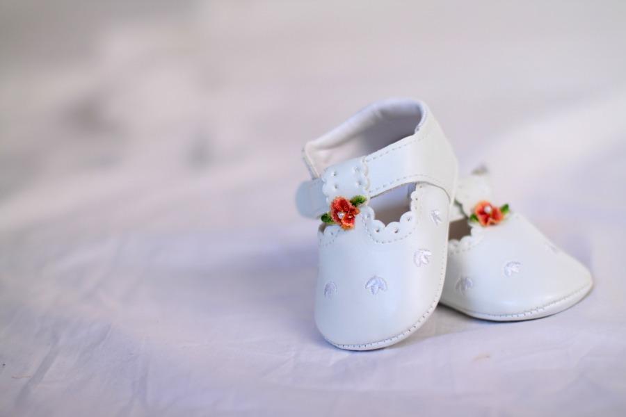 shoes-619529_1920