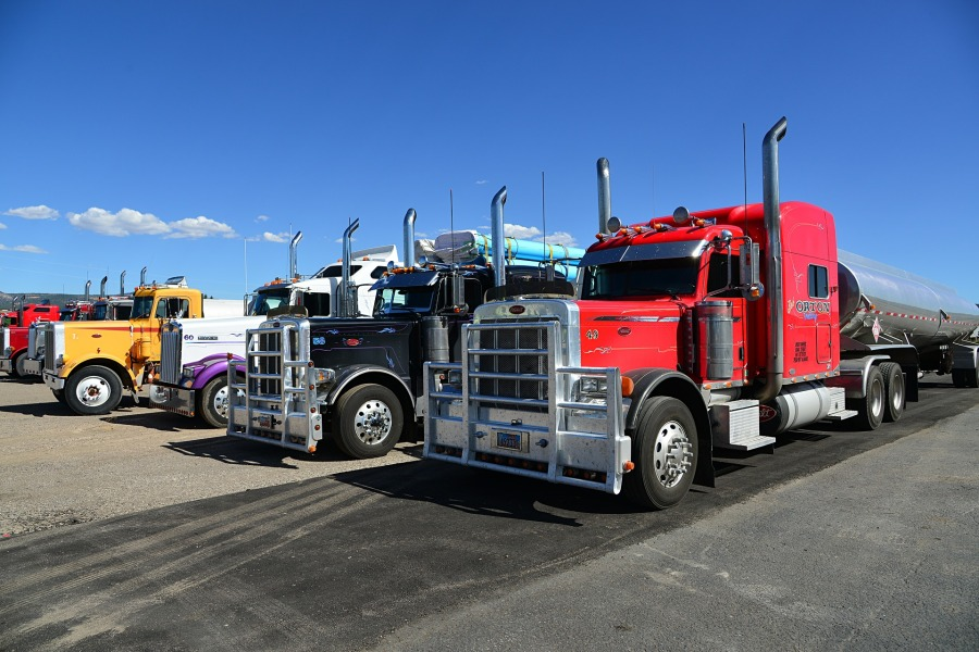 truck-602567_1920