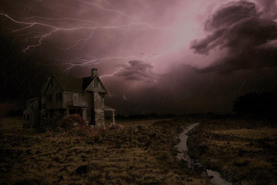 thunderstorm-2077667_1920